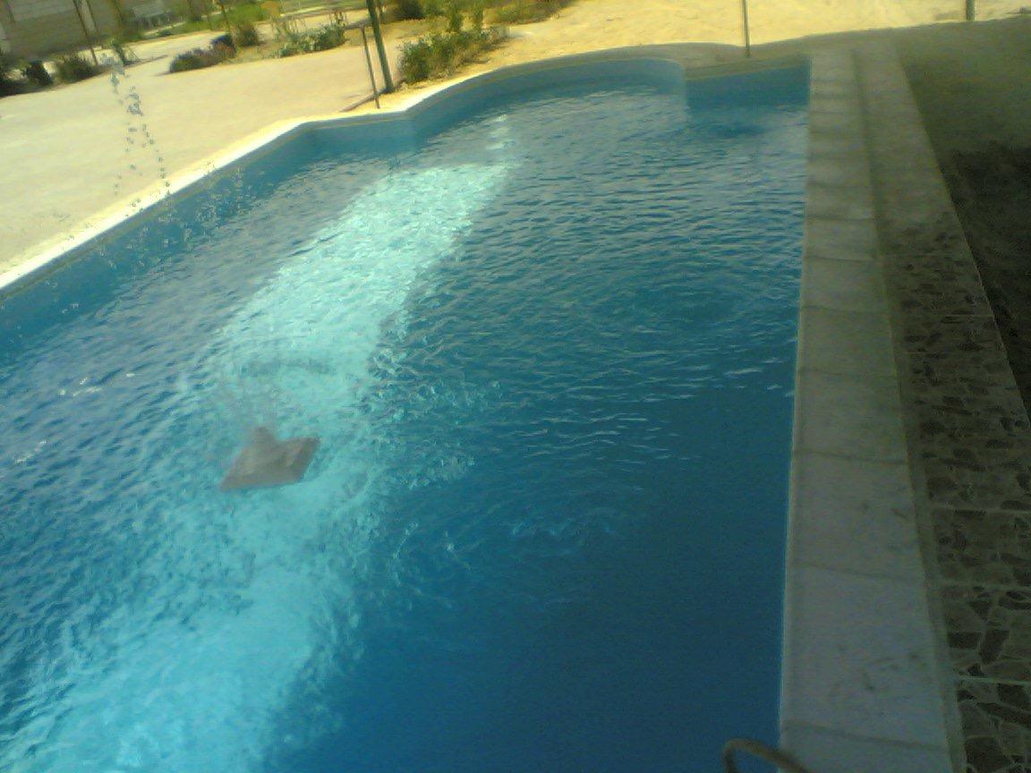 رقم فني حمامات سباحة 69025759 صيانة وتنظيف حمامات السباحة